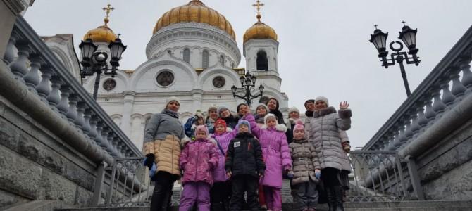 Воспитанники Воскресной школы приняли участие в  Литургии, которую возглавил Святейший Патриарх
