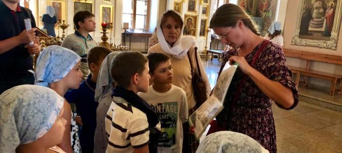 Состоялась экскурсия учащихся Воскресной школы в храм-музей Николая Чудотворца в Толмачах