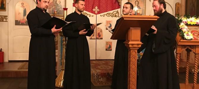 6 ноября наш храм посетил мужской хор Гевсиманского Черниговского скита Троице-Сергиевой Лавры с исполнением духовных песнопений